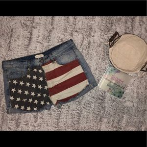 🌸Forever 21🌸 flag jean shorts size 4/6 💕